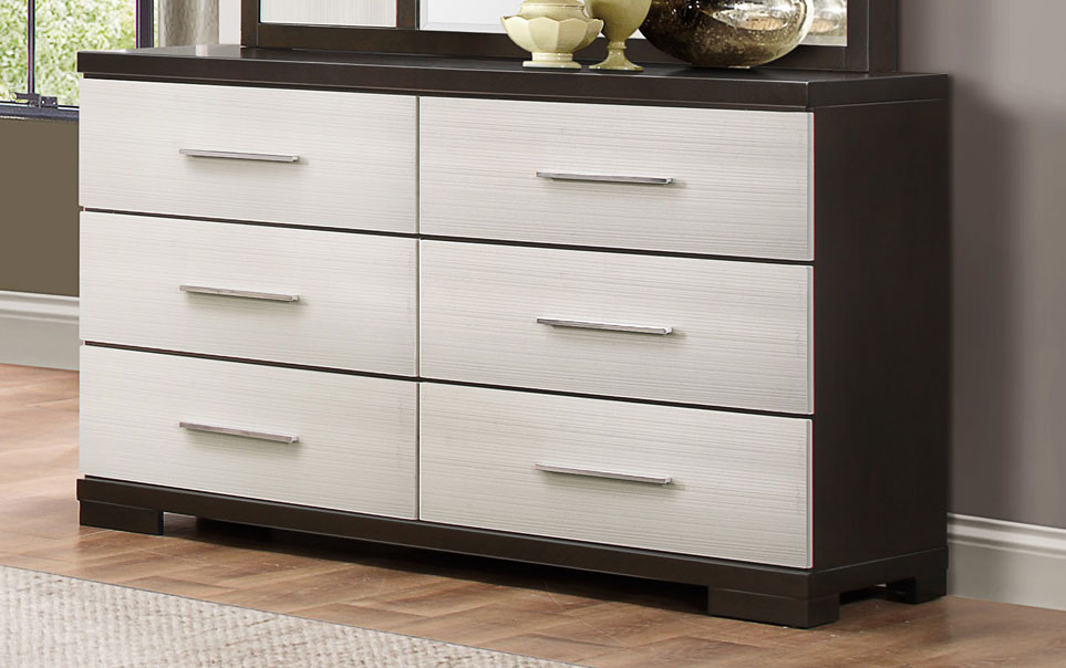 Image of: Painting a Dresser Two Colors
