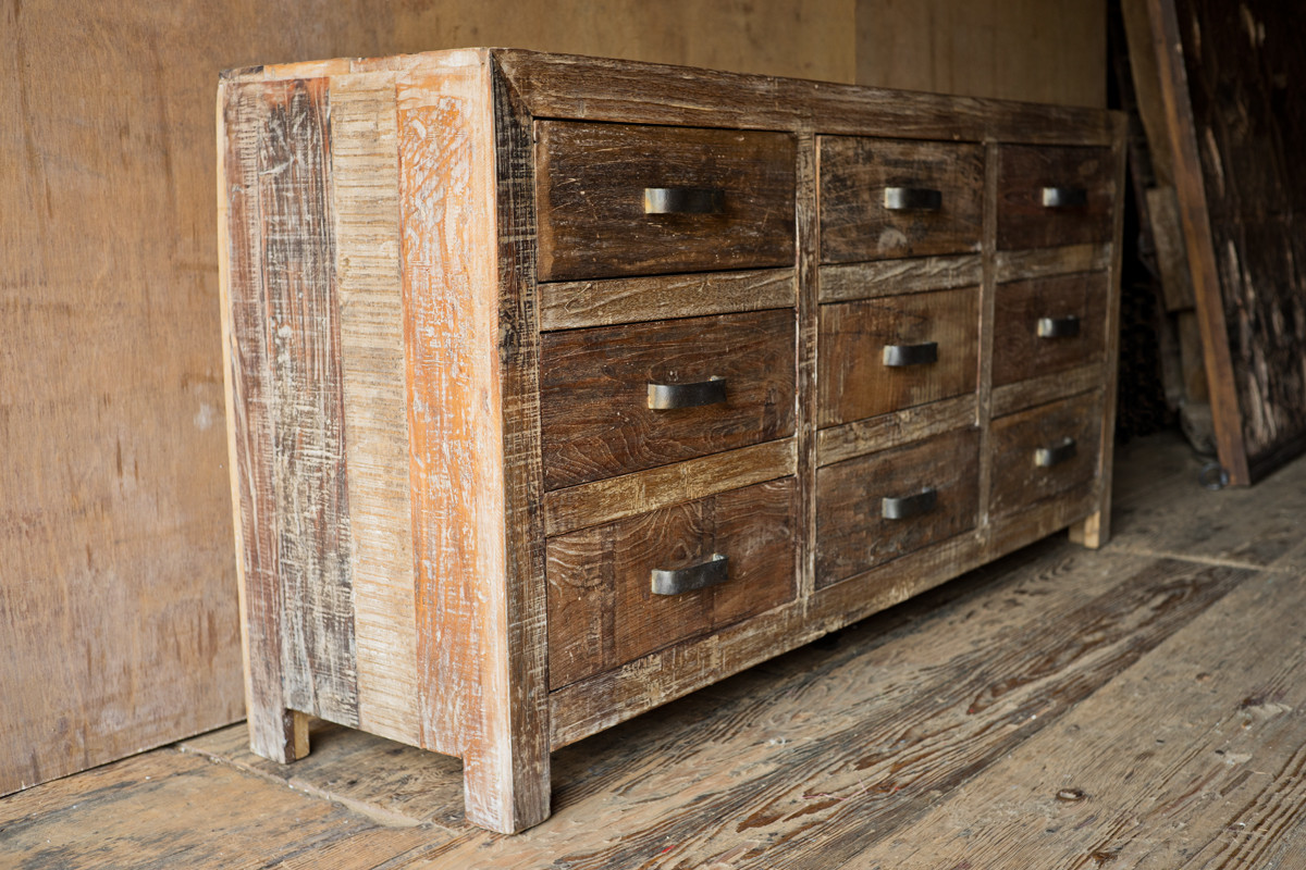 Image of: Polished Finish Rustic Dressers