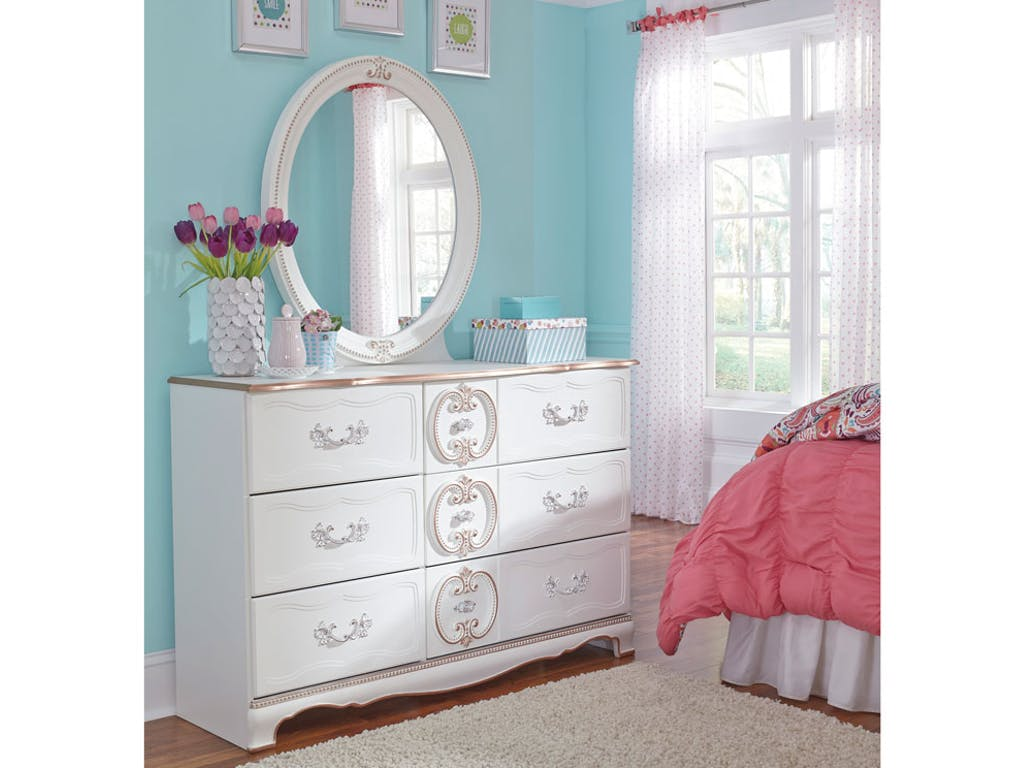 Picture of: Princess Dresser With Mirror