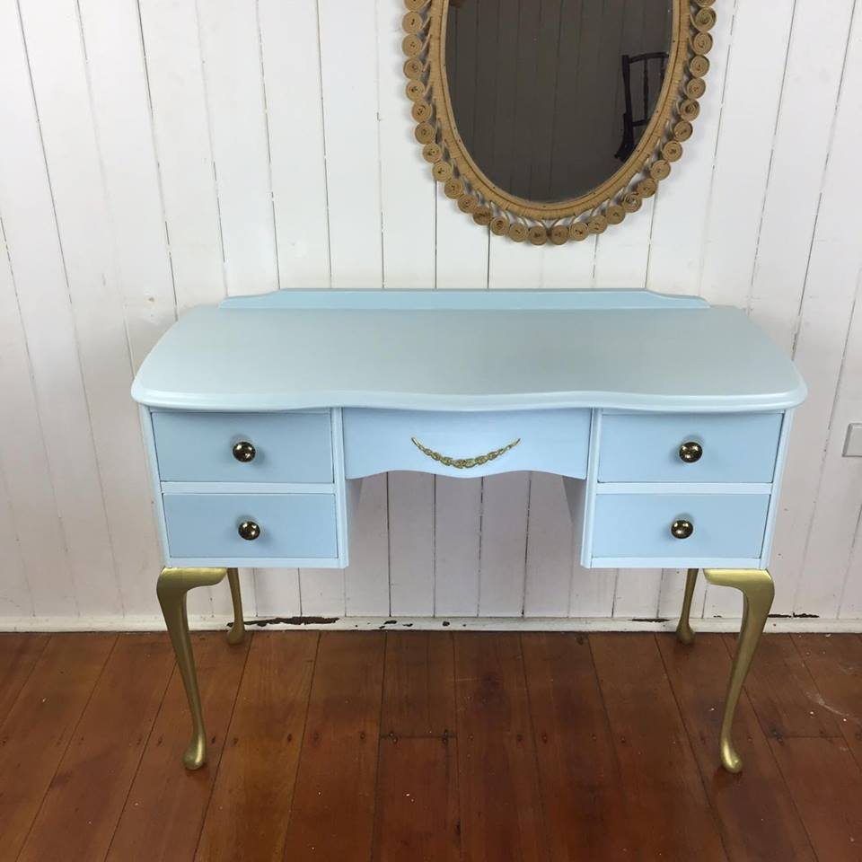 Queen Anne Table Color