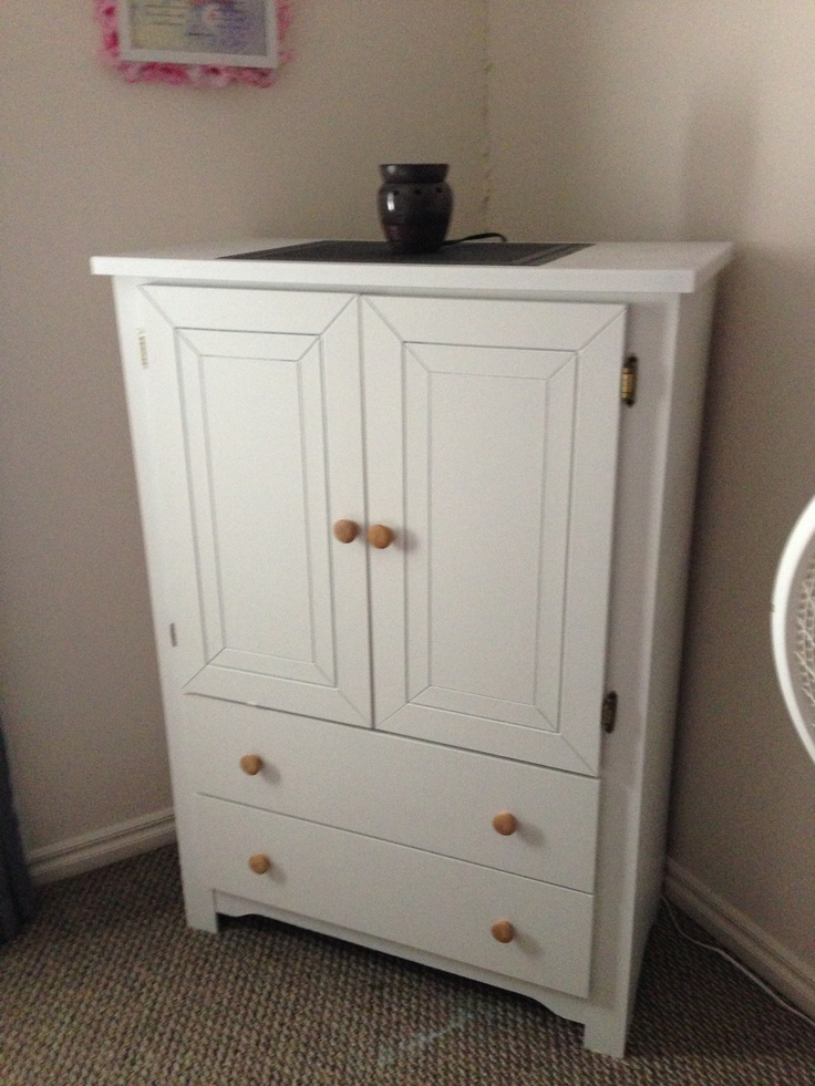 Picture of: Refurbished White Dressers