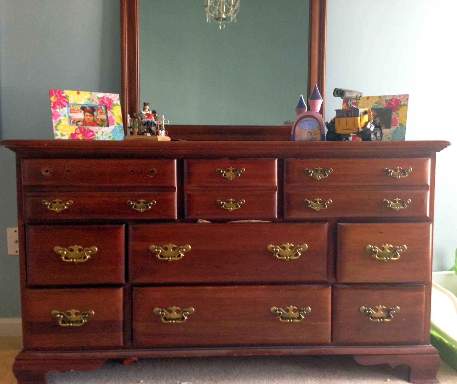 Picture of: Replacement Handles For Dressers