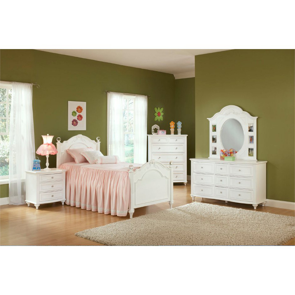 Picture of: Rooms To Go Disney Princess Collection