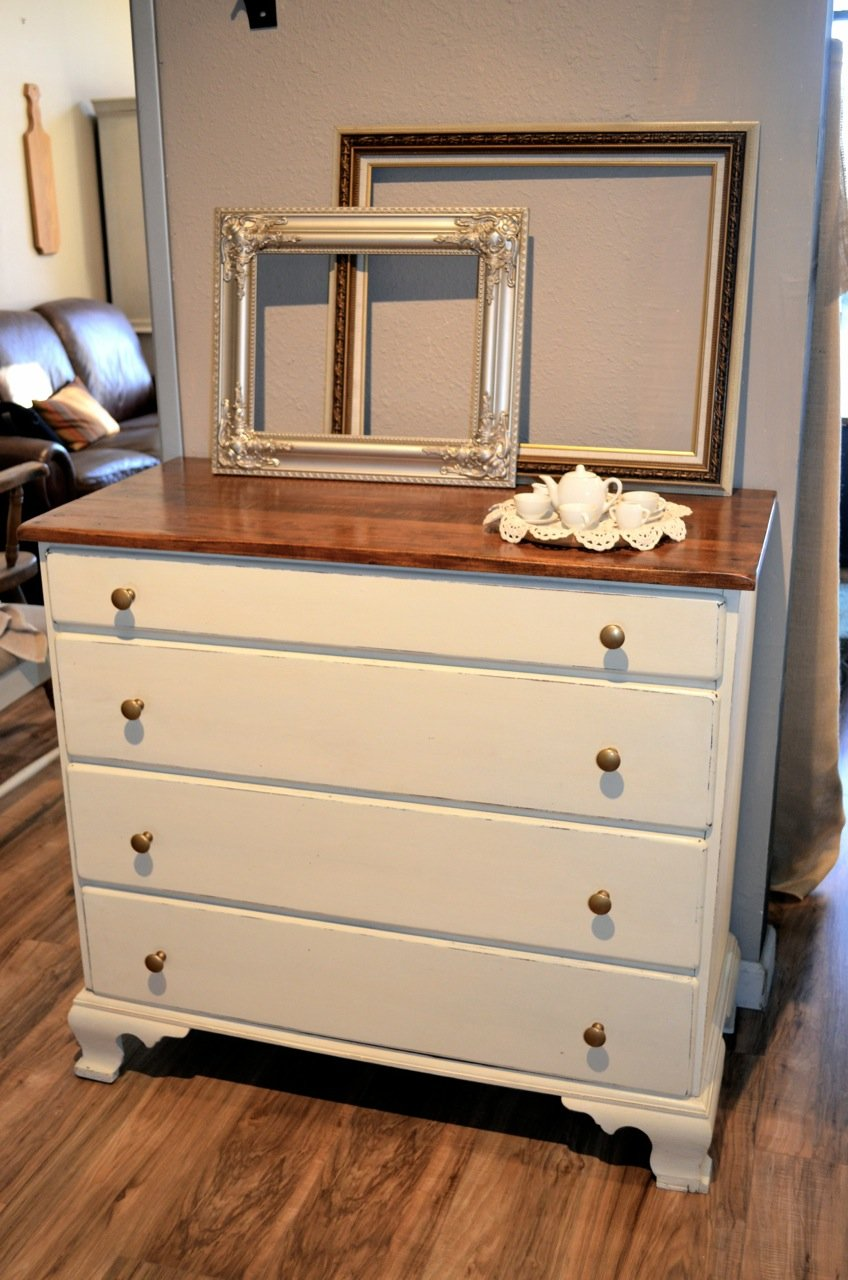 Picture of: Shabby Chic Dresser Diy