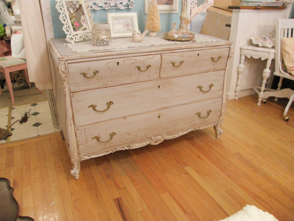 Image of: Shabby Chic Painting Techniques