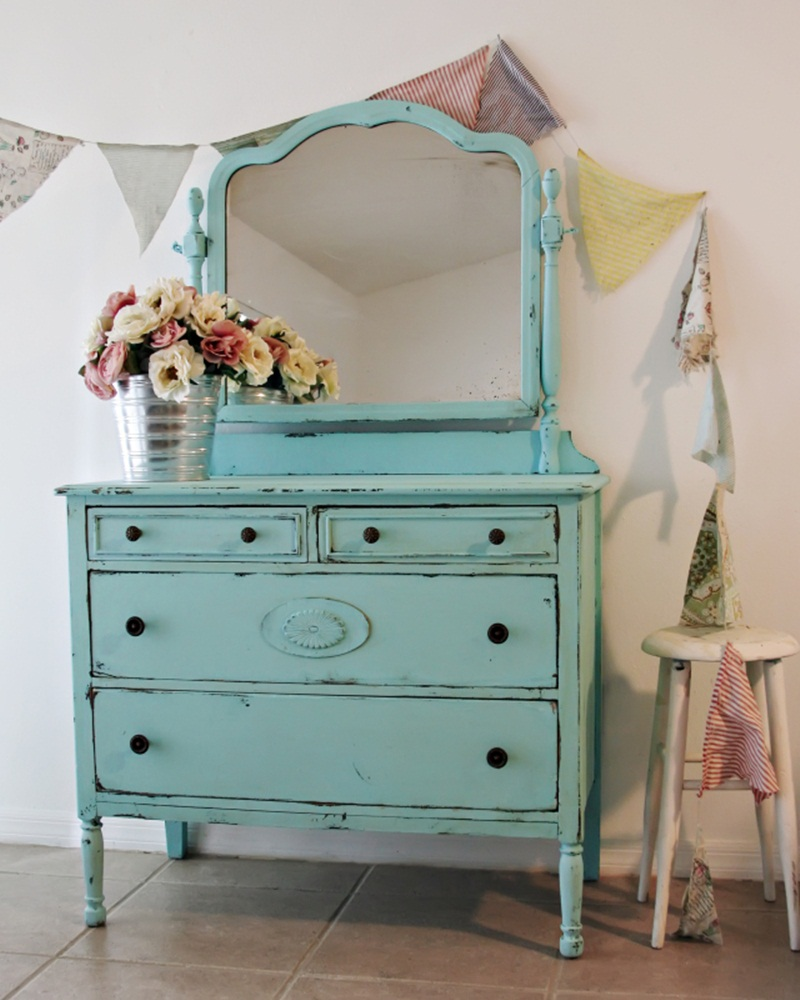 Image of: Shabby Chic Used Furniture