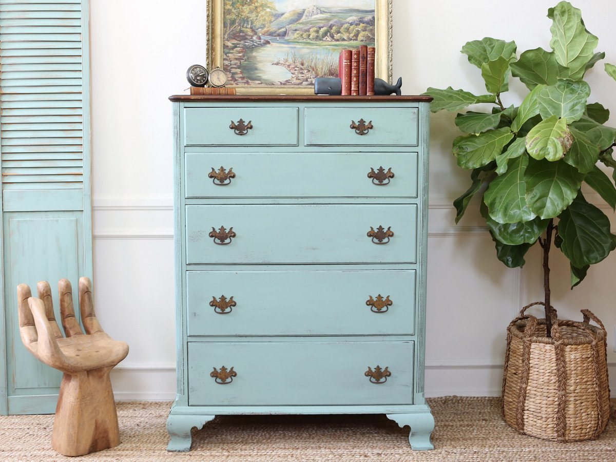 Image of: Simply Shabby Chic Armoire