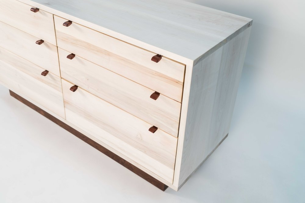 Picture of: Solid Maple Chest Of Drawers Style