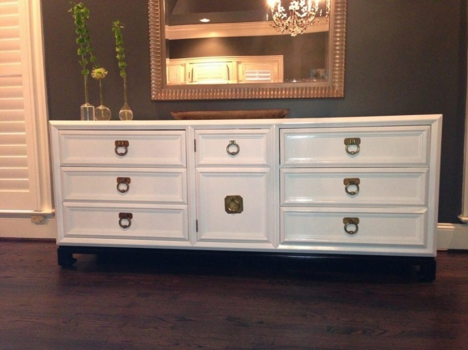 Picture of: Thomasville Dresser White
