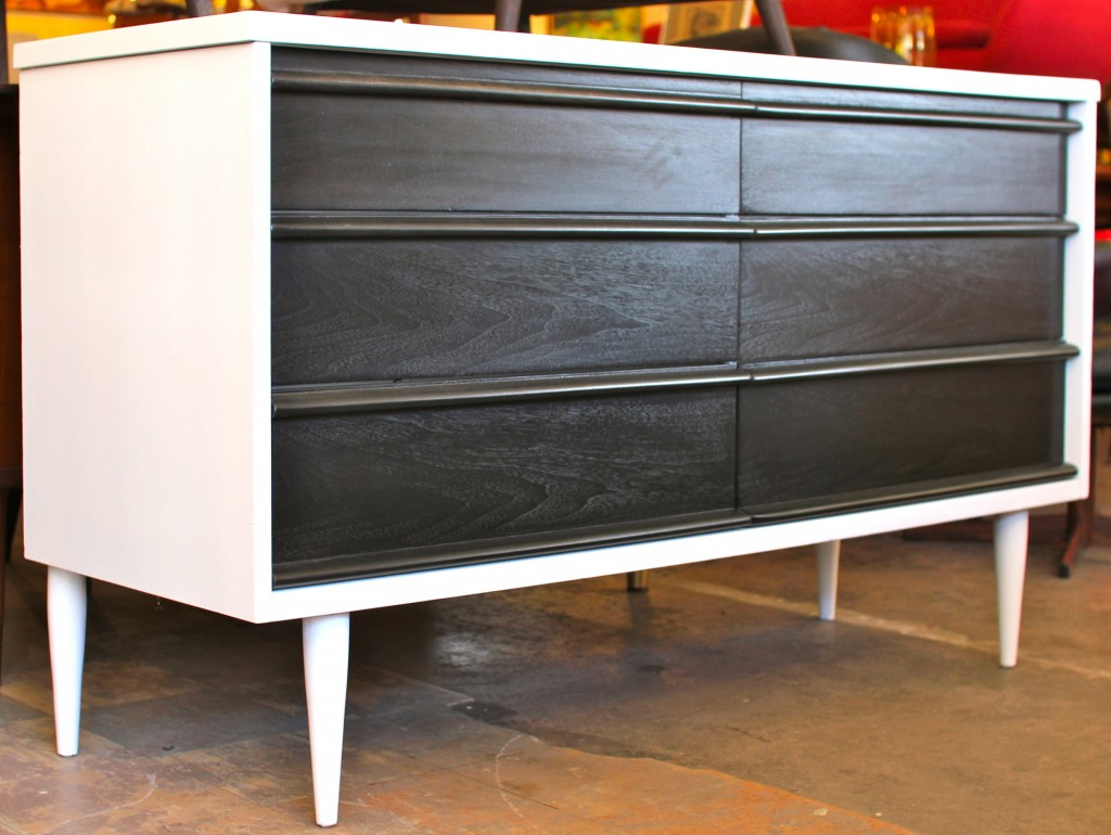Picture of: Two Tone Furniture Finish