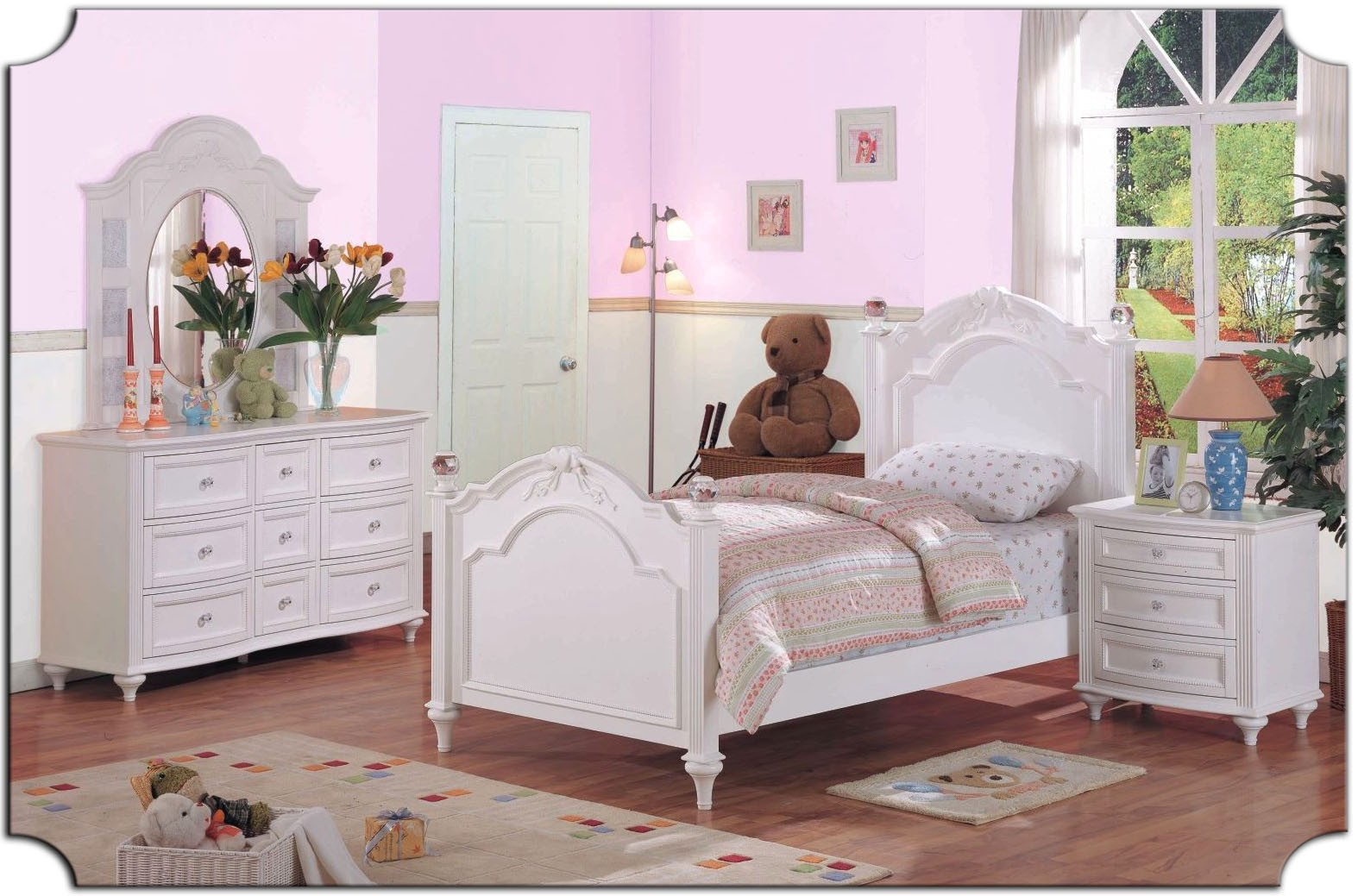 Picture of: Types Toddler Dresser With Mirror