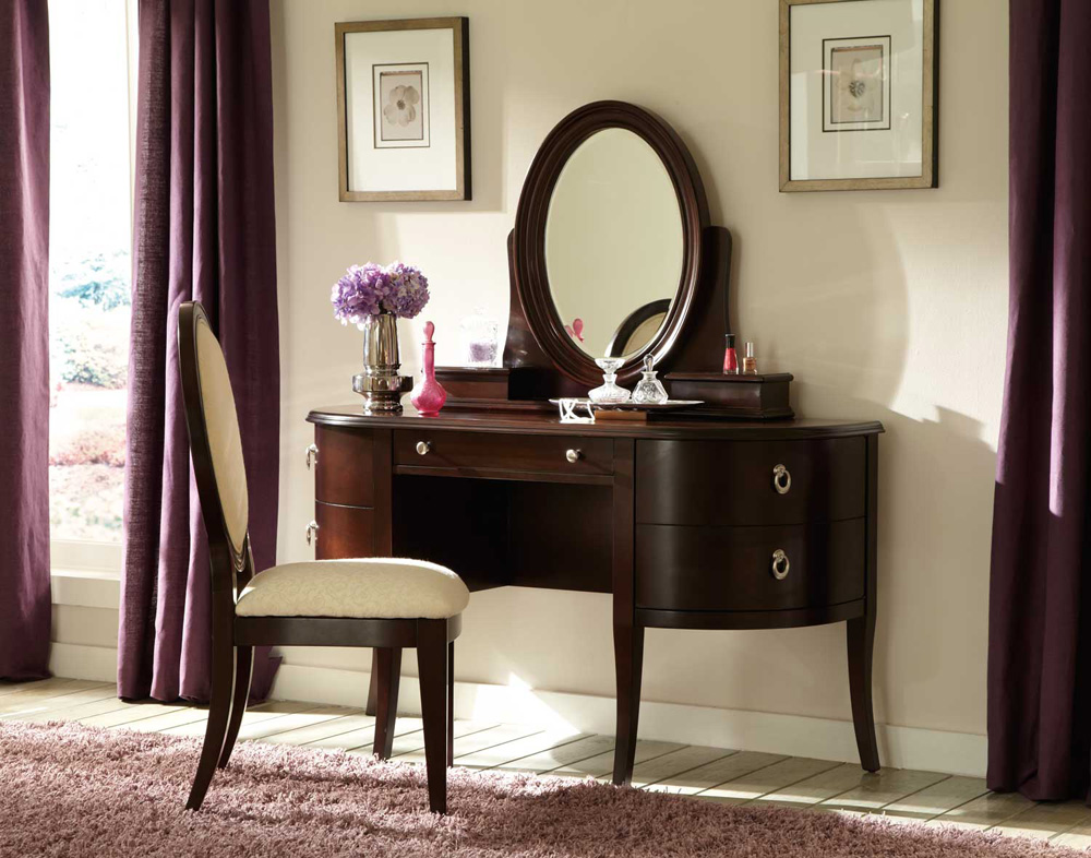 Picture of: Vanity Table Vintage Wood