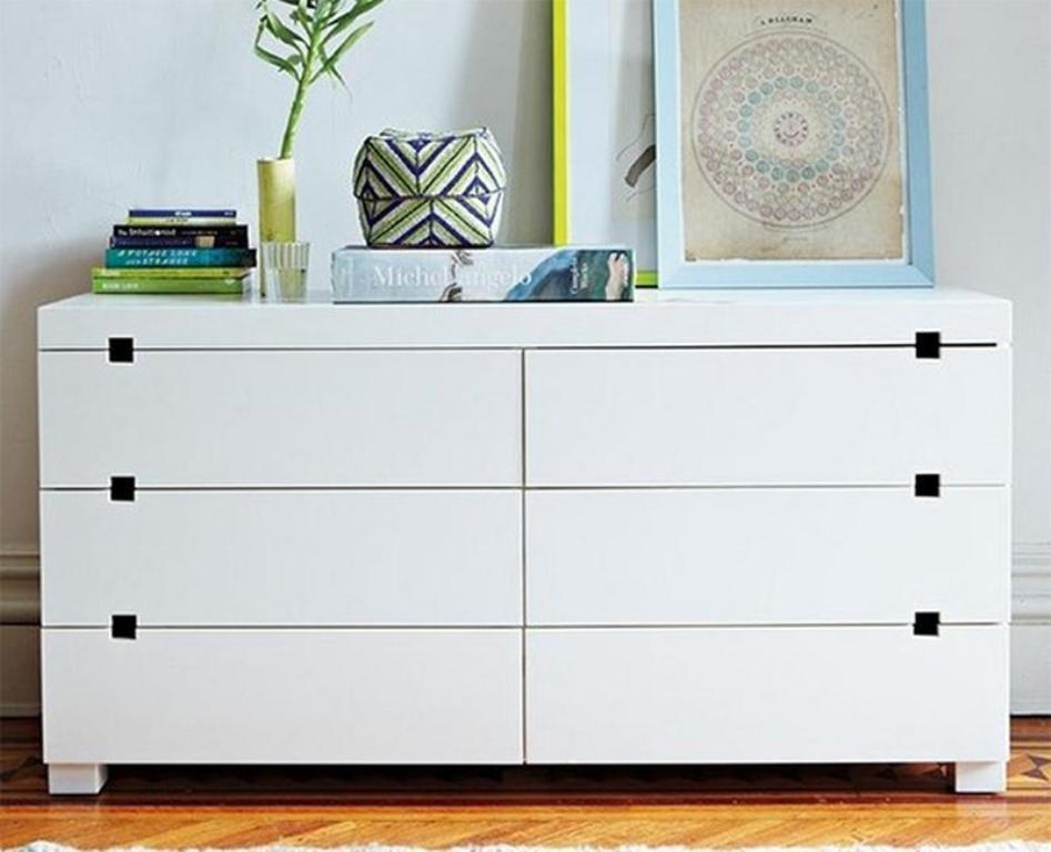 Picture of: Vertical Dresser Pulls