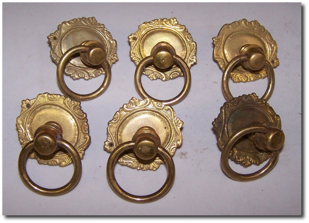 Image of: Vintage Dresser Drop Pulls