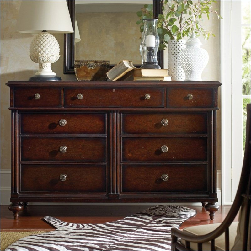 Picture of: Vintage Stanley Furniture and Decor