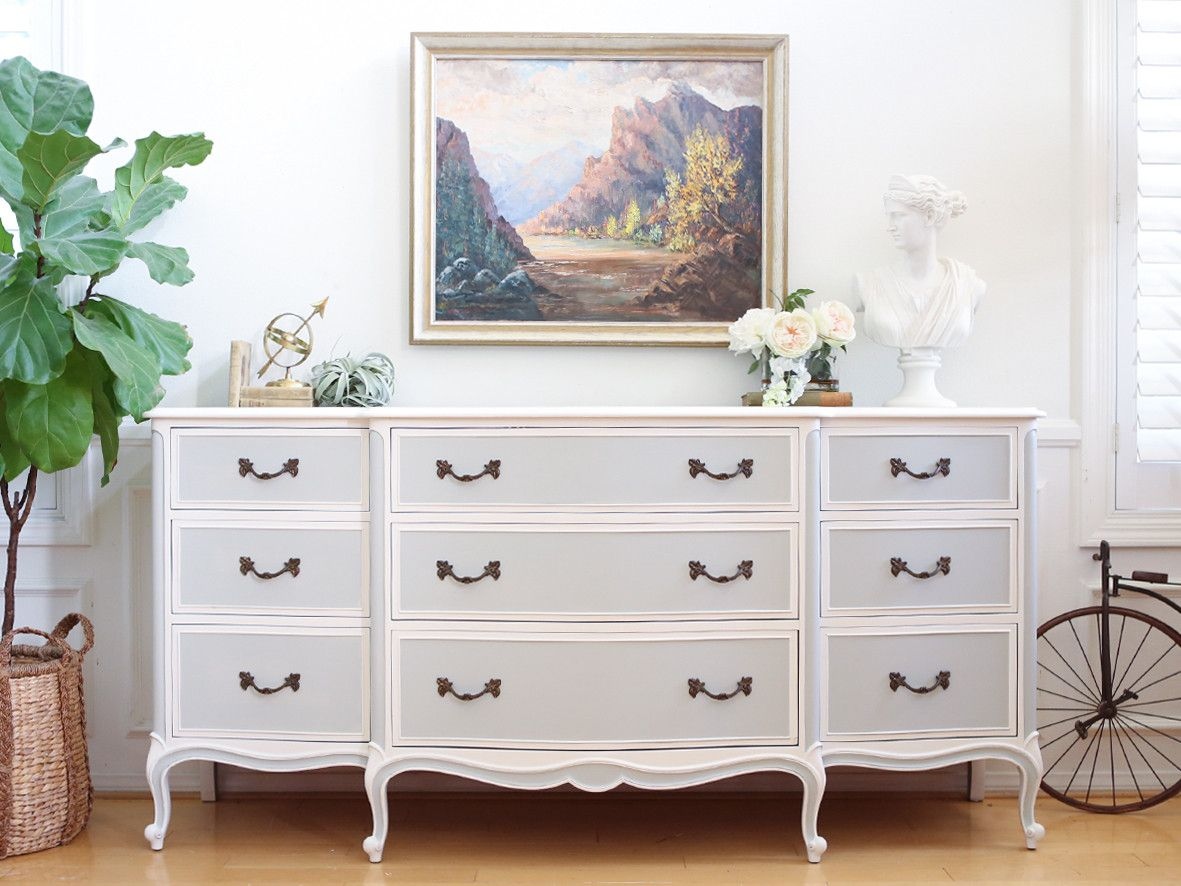 Picture of: Vintage White Chest Of Drawers