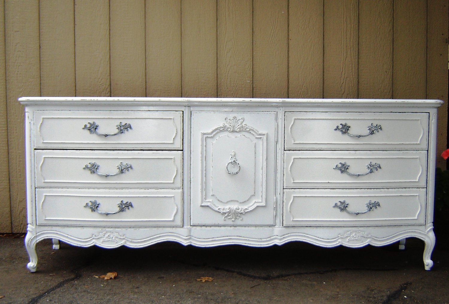 Picture of: Vintage White Dresser Bedroom Furniture
