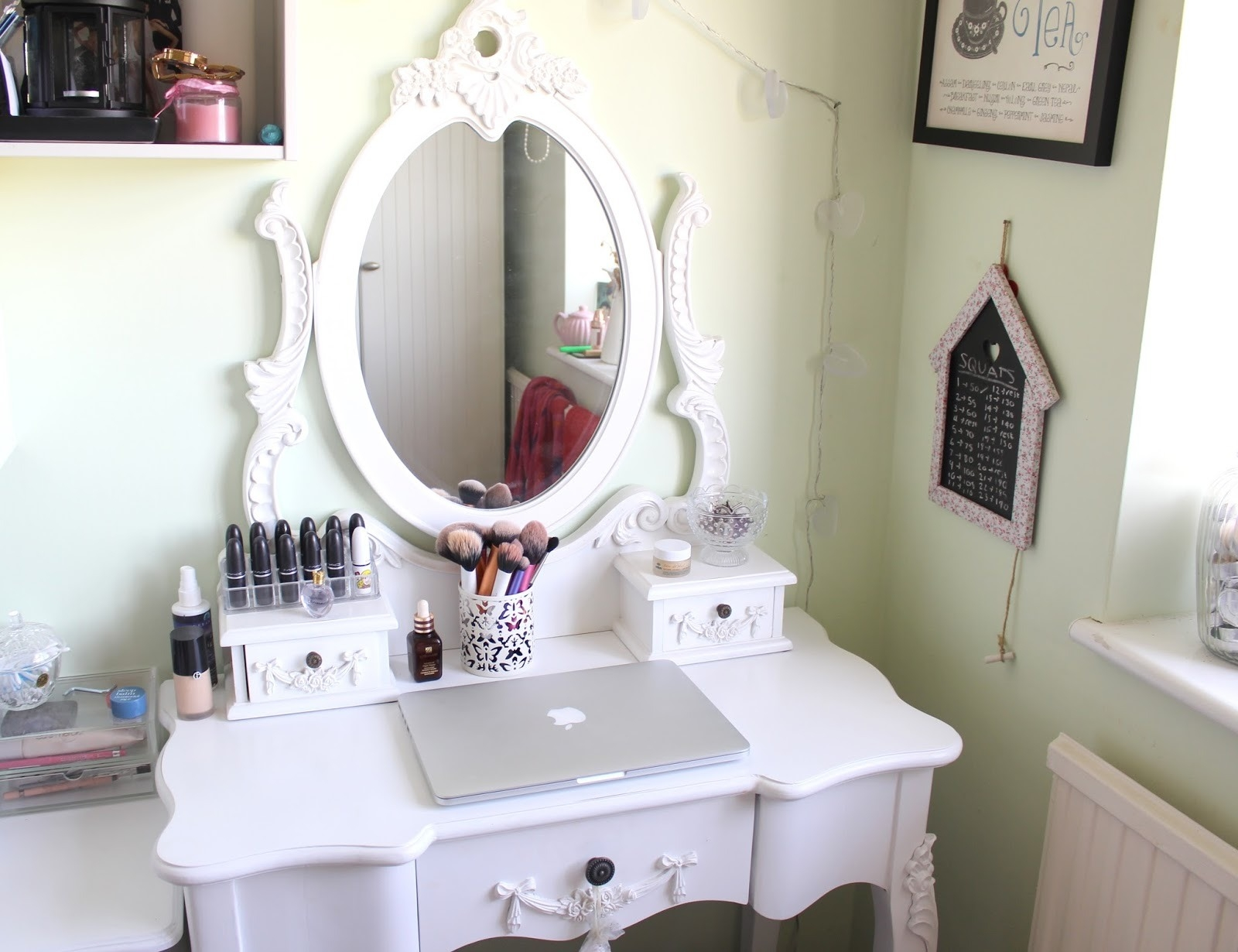 Picture of: Makeup Dresser With Mirror