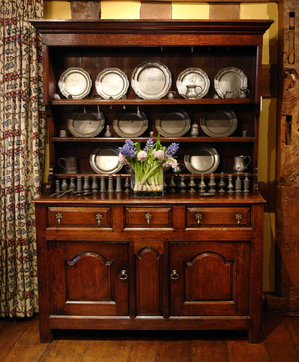 Picture of: Welsh Dresser Gumtree