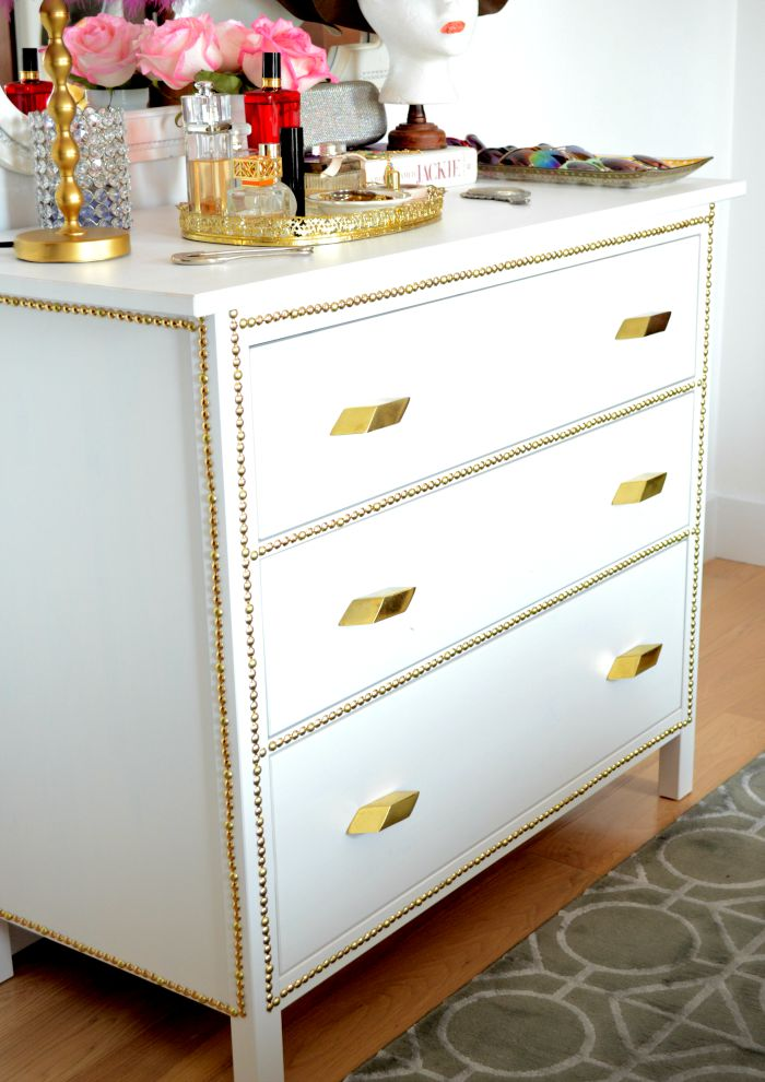 Picture of: White Dresser Gold Pulls