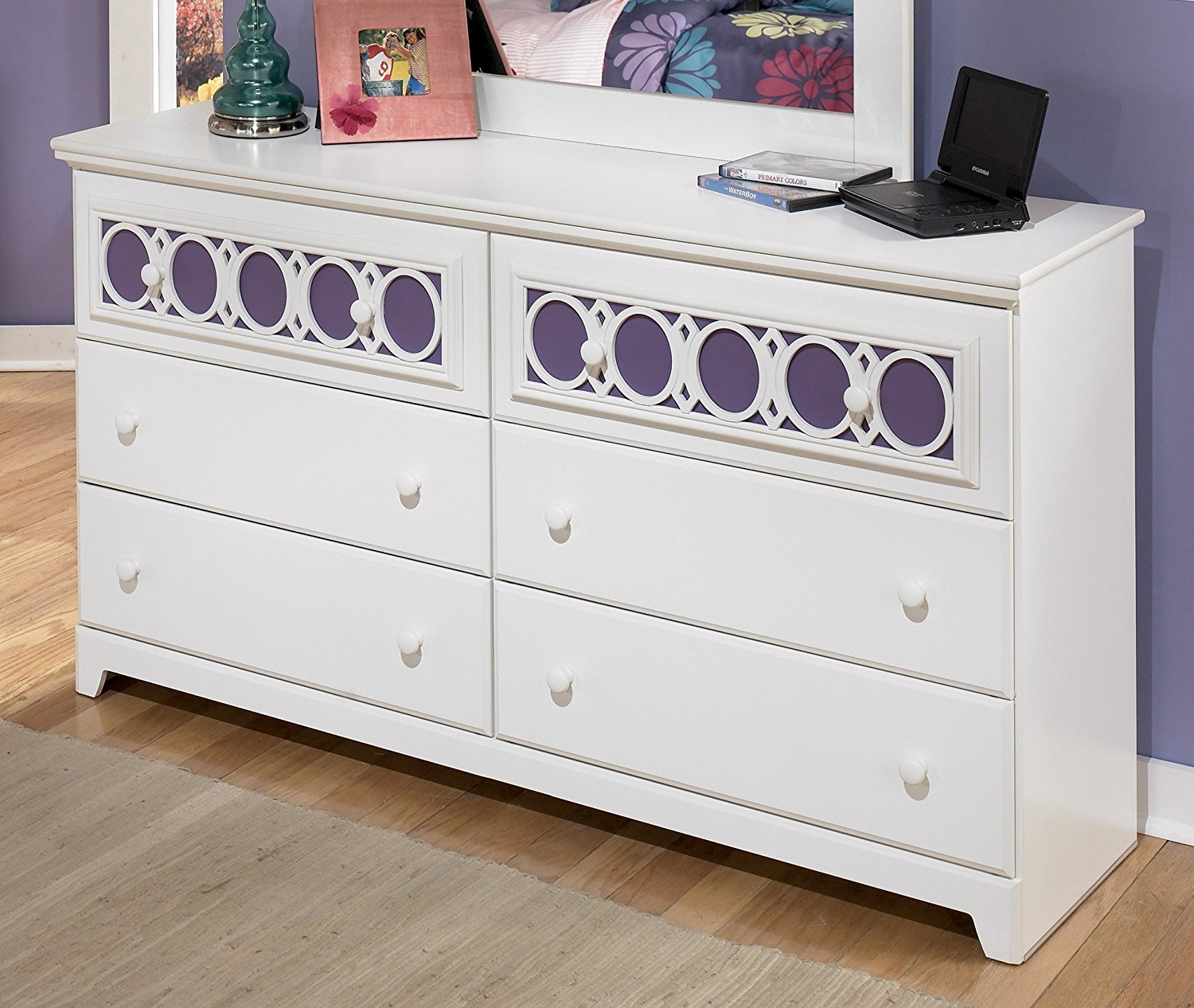 Picture of: White Painted Dresser Table