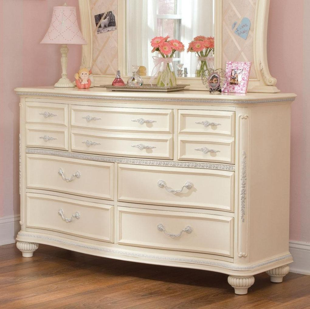 White Washed Dresser Decor