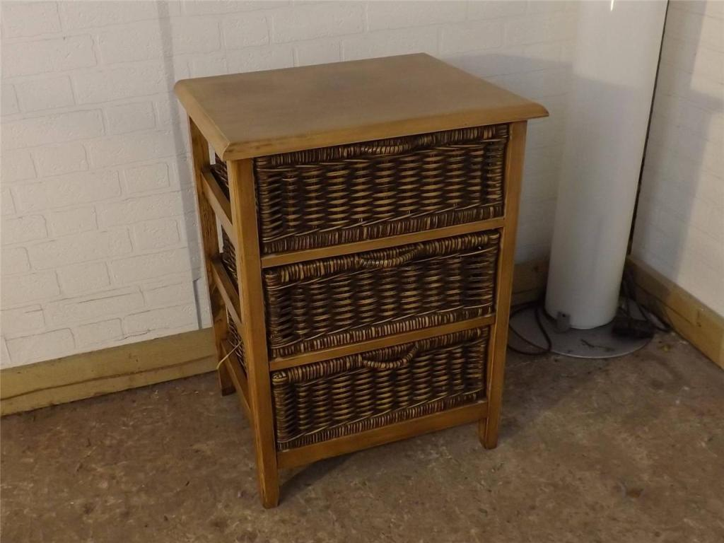 Image of: Wicker Storage Chest With Drawers