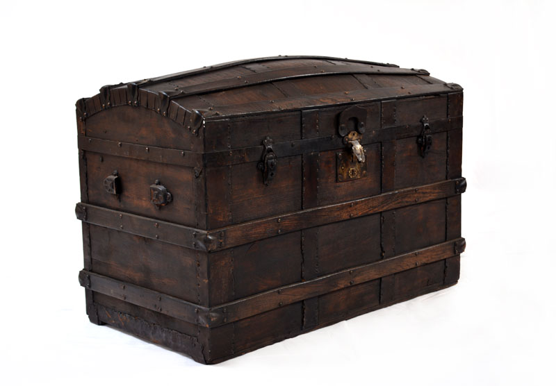 Picture of: Antique Dresser Trunk