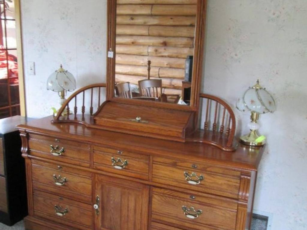 Image of: Lexington Oak Dresser