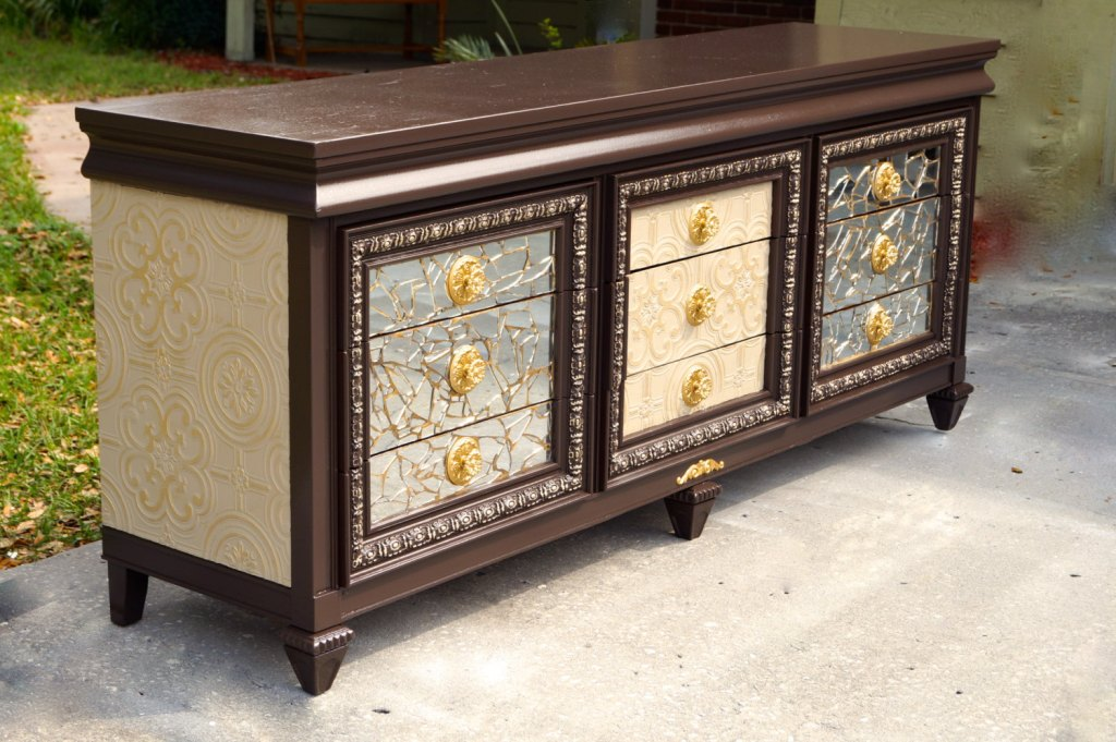 Picture of: 9 Drawer Mirrored Dresser