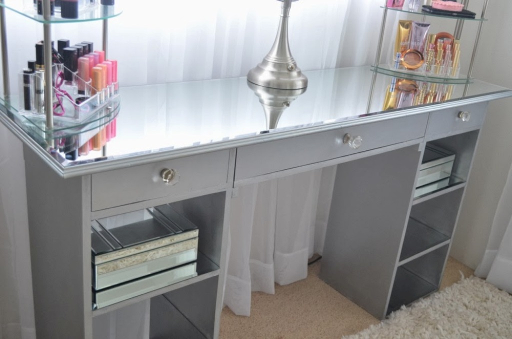 Picture of: Diy Mirrored Furniture