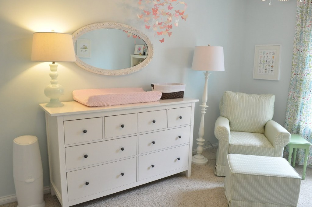 Picture of: Dresser And Changing Table Ikea