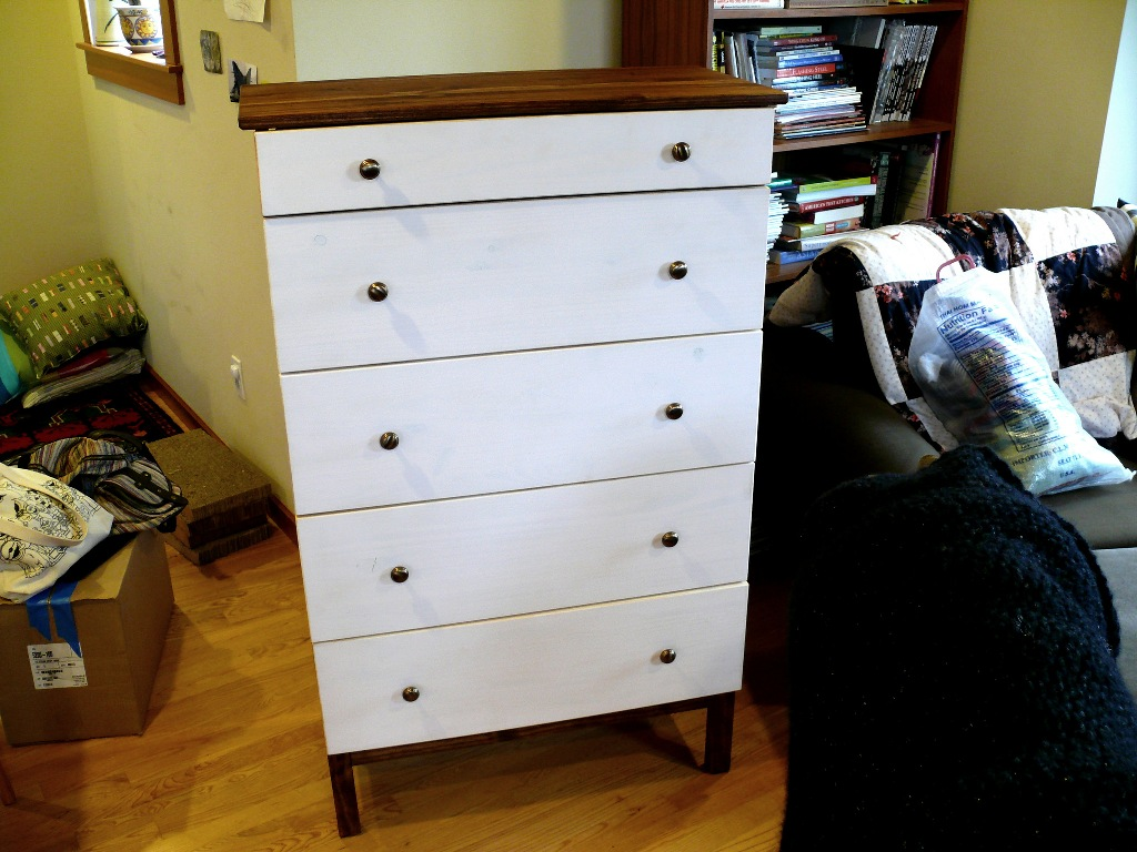 Picture of: White Ikea 5 Drawer Dresser