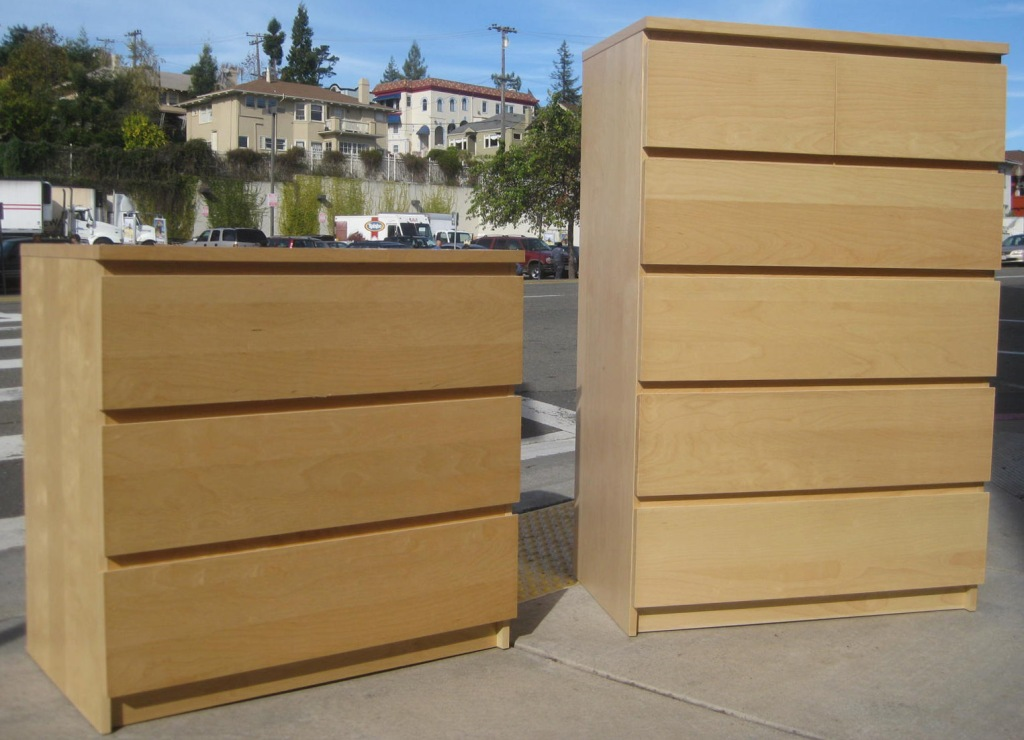 Picture of: Ikea 5 Drawer Dresser