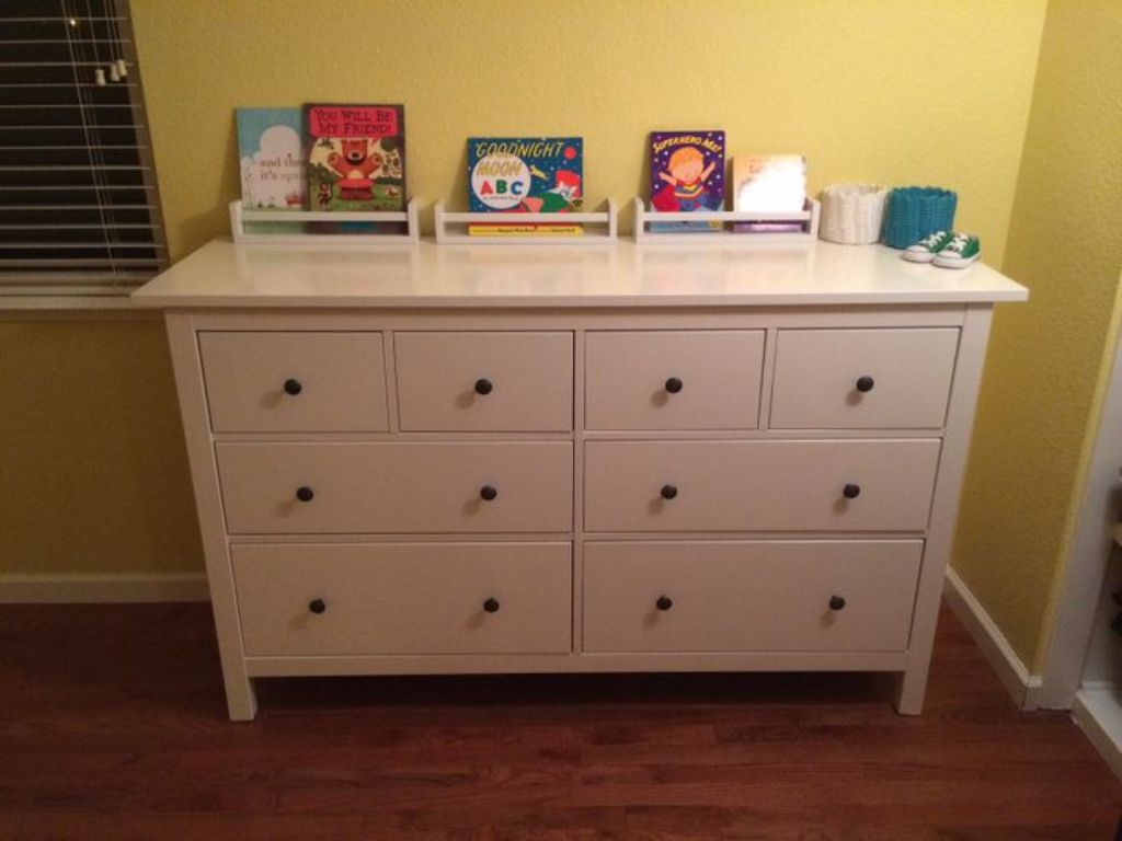 Picture of: White Ikea Hemnes 8 Drawer Dresser