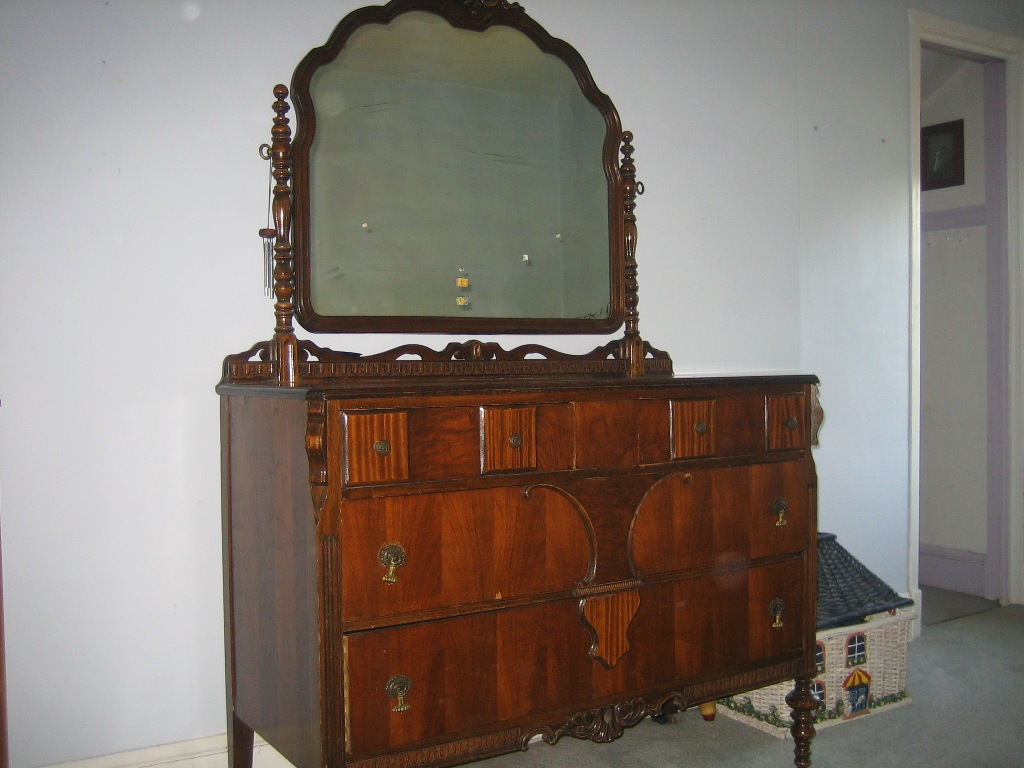 Picture of: Large Antique Dresser With Mirror