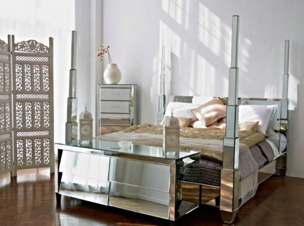 Picture of: Mirrored Bedroom Furniture Sets