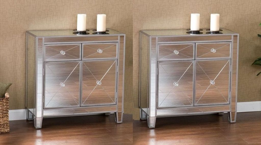 Picture of: Mirrored Dresser And Nightstand Set