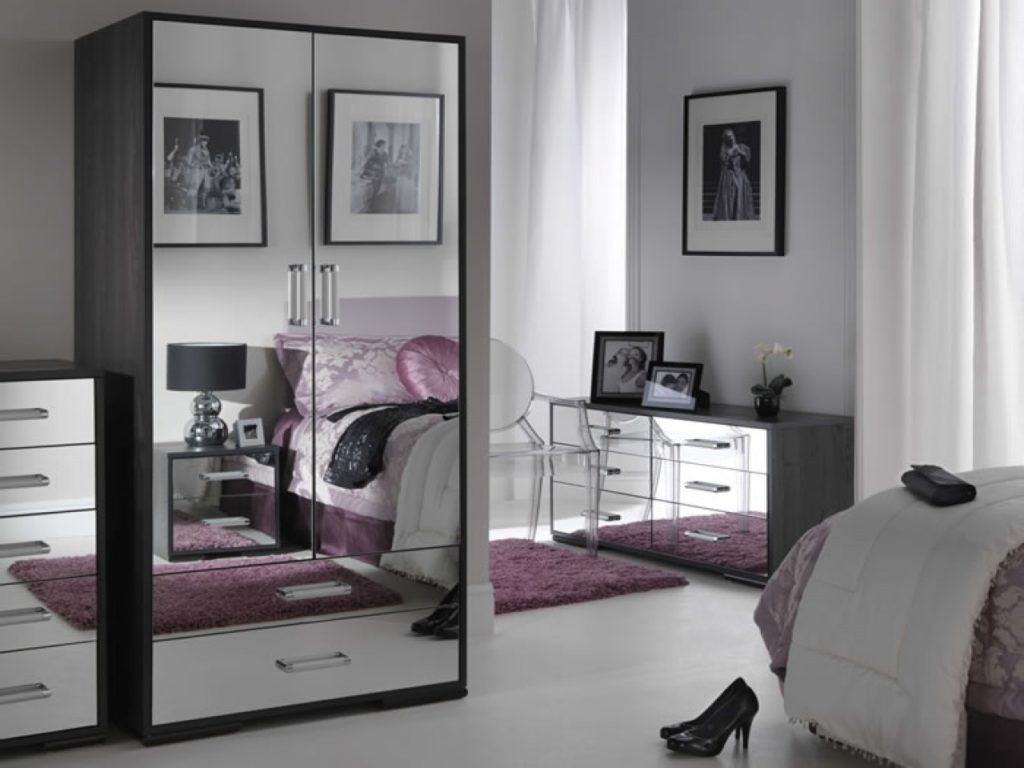 Mirrored Glass Bedroom Furniture Glass Bedroom Furniture Sets Black Mirrored Bedroom Furniture 1280 X 960