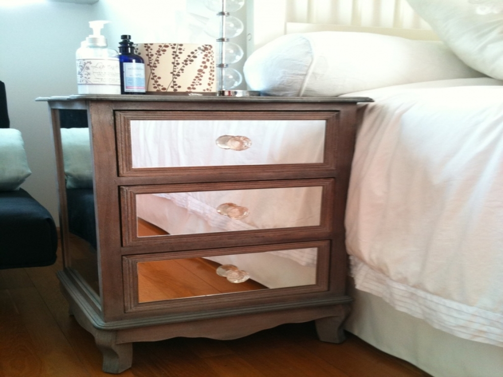 Picture of: Mirrored Nightstand Ikea