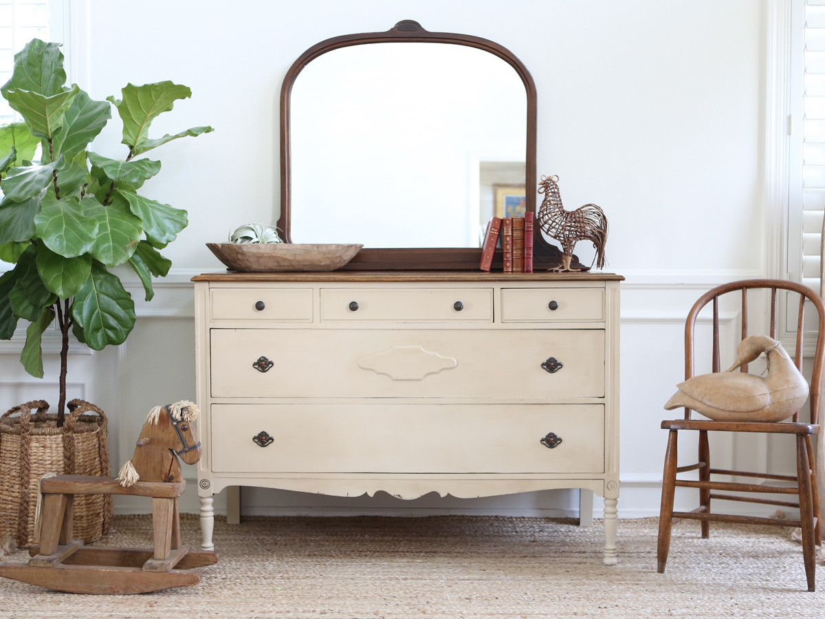 Picture of: Best Small Antique Dresser With Mirror