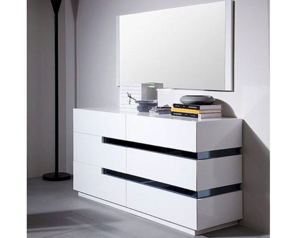 White Dressers With Mirrors