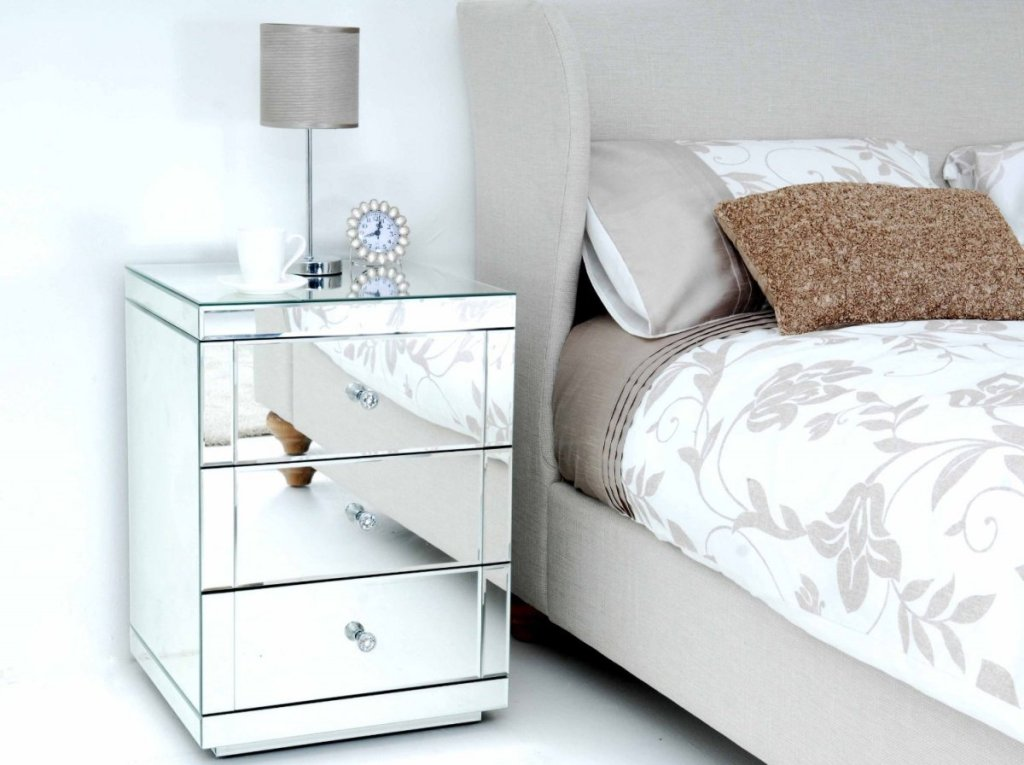Picture of: White Mirrored Nightstand