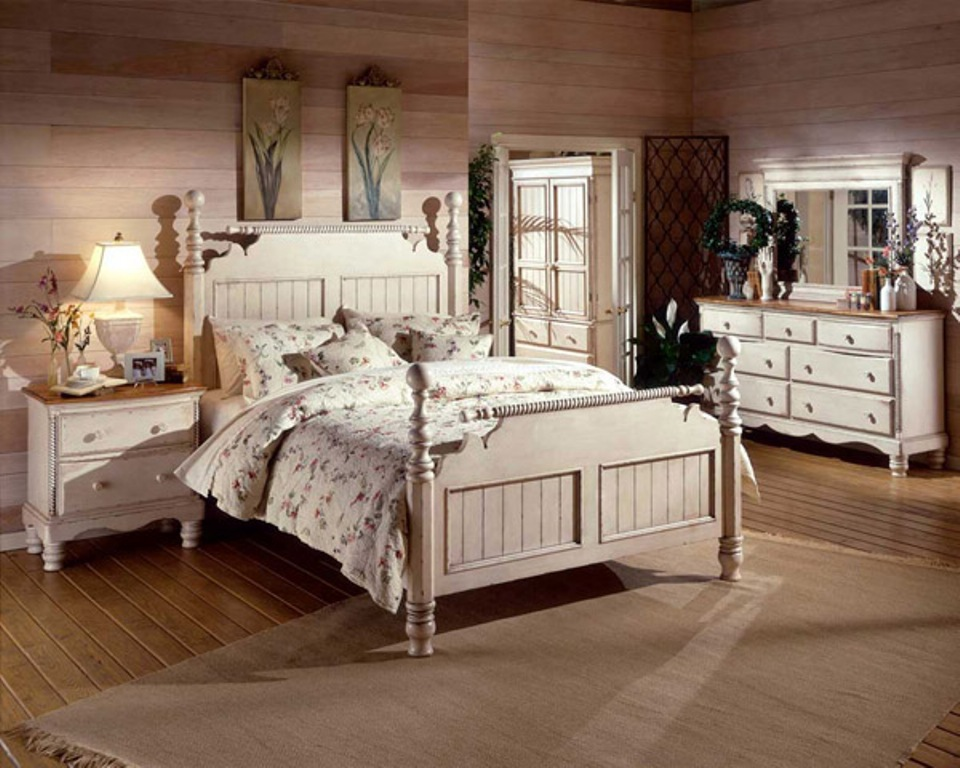 Picture of: Antique White Dresser Bedroom Furniture Designs