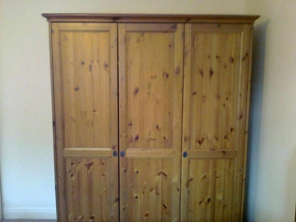 Picture of: Brimnes Wardrobe With 3 Doors Assembly Instructions