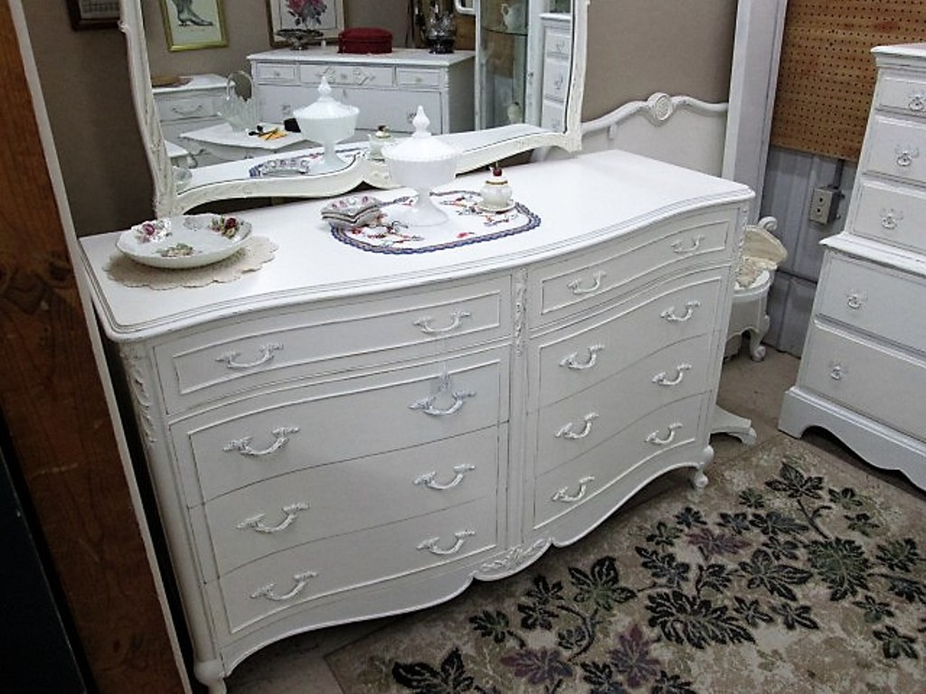 Image of: White Dresser With Desk Attached