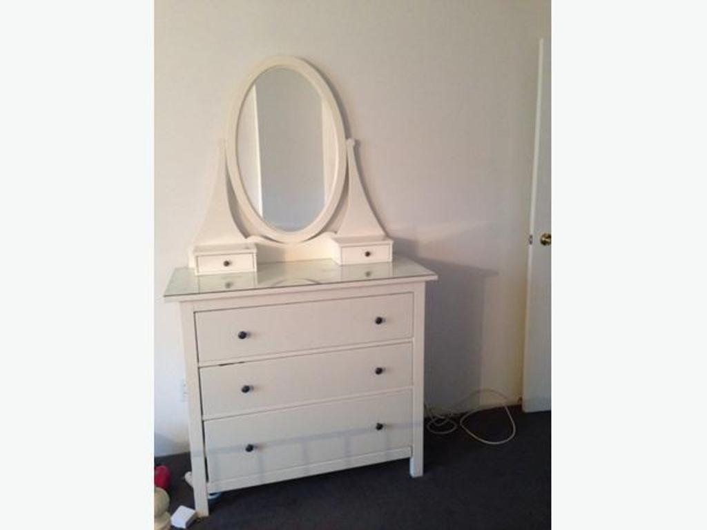 Picture of: Simple Dresser With Mirror Ikea