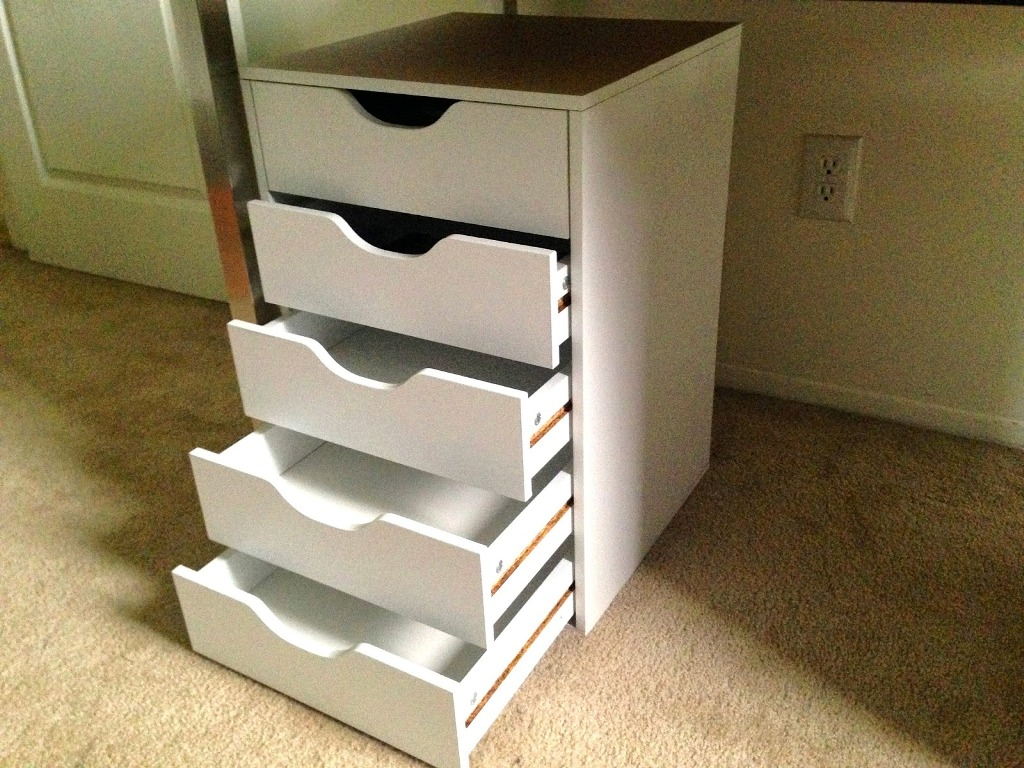 Picture of: Ikea Alex 5 Drawer