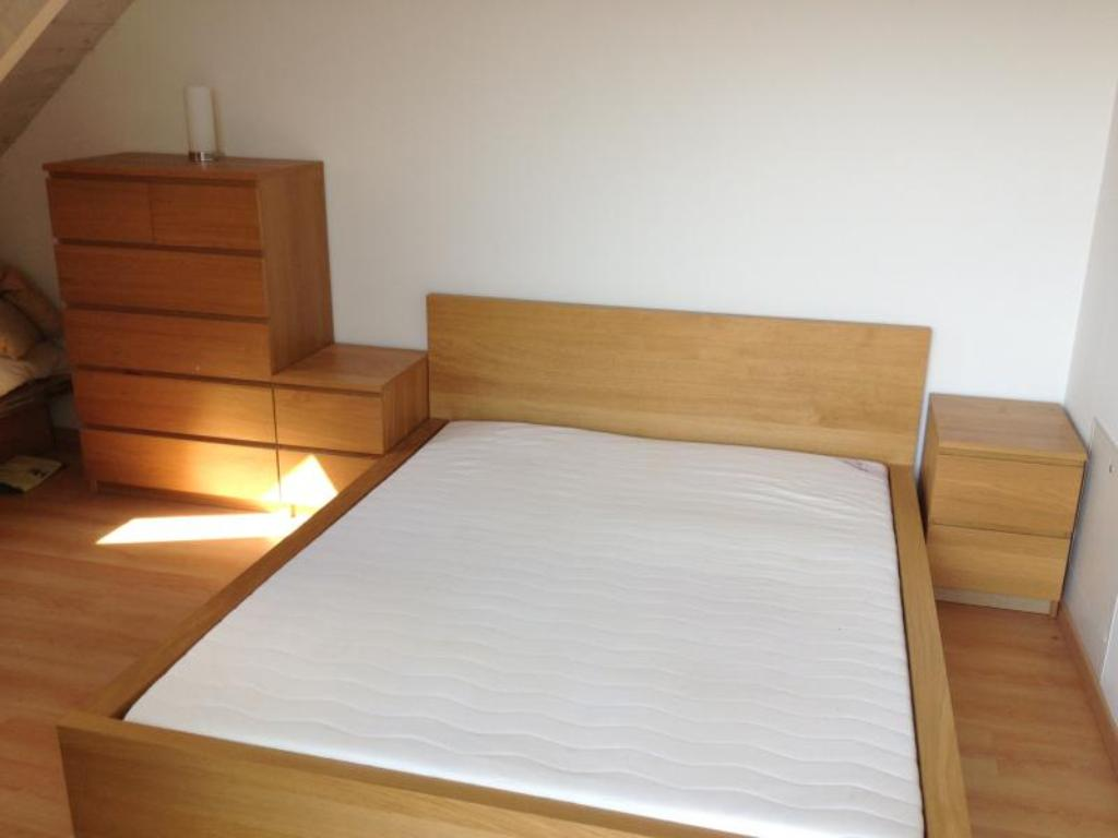 Picture of: Ikea Malm Bedroom Set