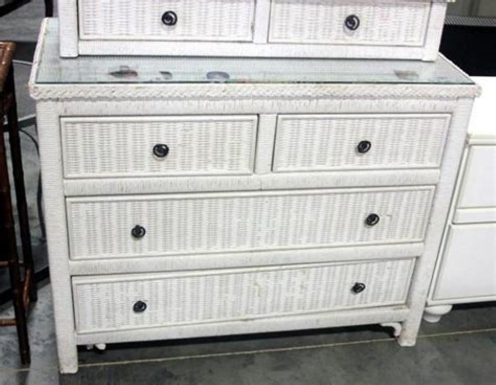 Picture of: Modern White Dresser Drawers Ideas